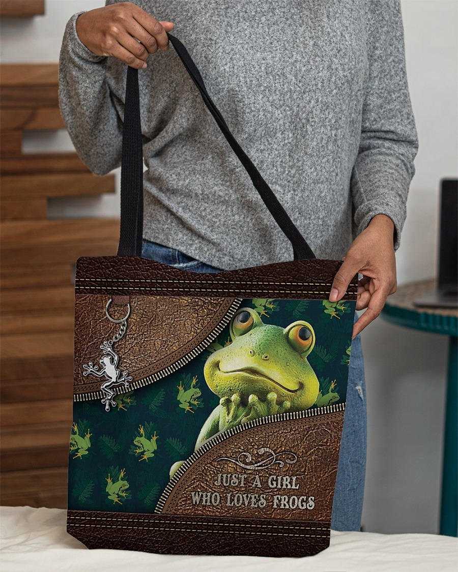 Just a girl who loves frogs tote bag2