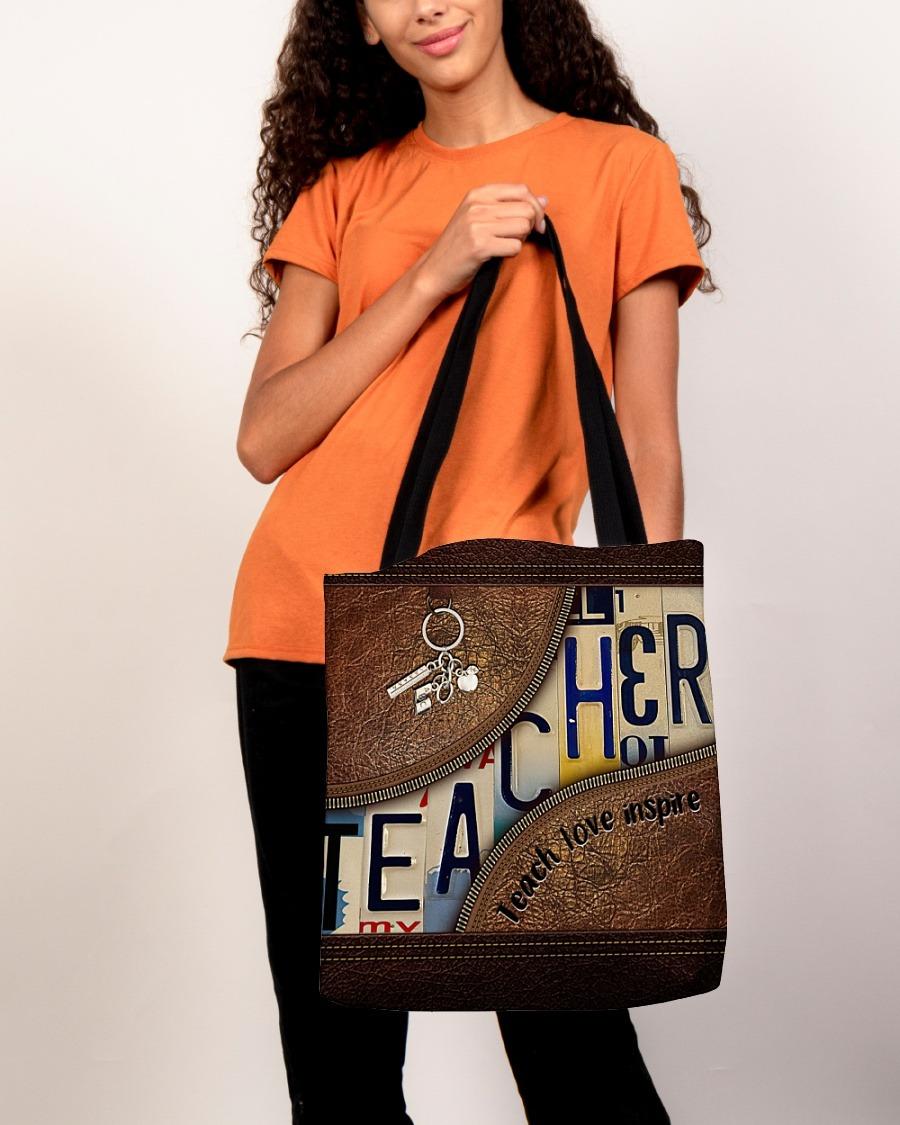Teacher love inspire leather tote bag3