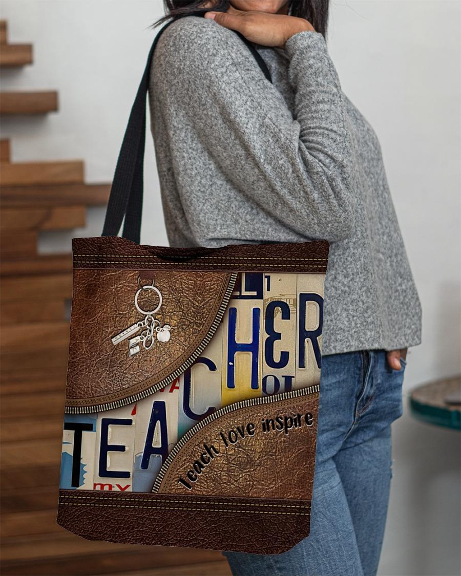 Teacher love inspire leather tote bag2