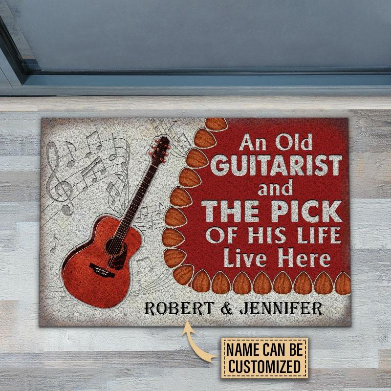 Guitar An ole guitarist and the pick custom name doormat2