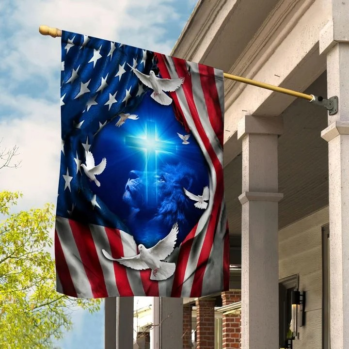 Lion and doves American flag2