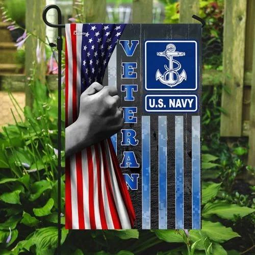 US Navy veteran American flag3 1