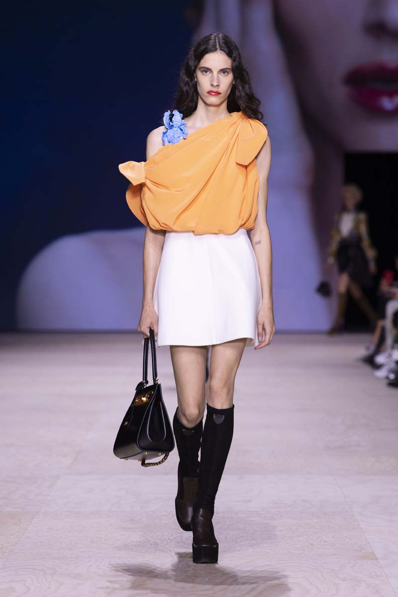 BST Louis Vuitton Xuân - Hè 2020: Dòng chảy thời gian và nghệ thuật | ELLE
