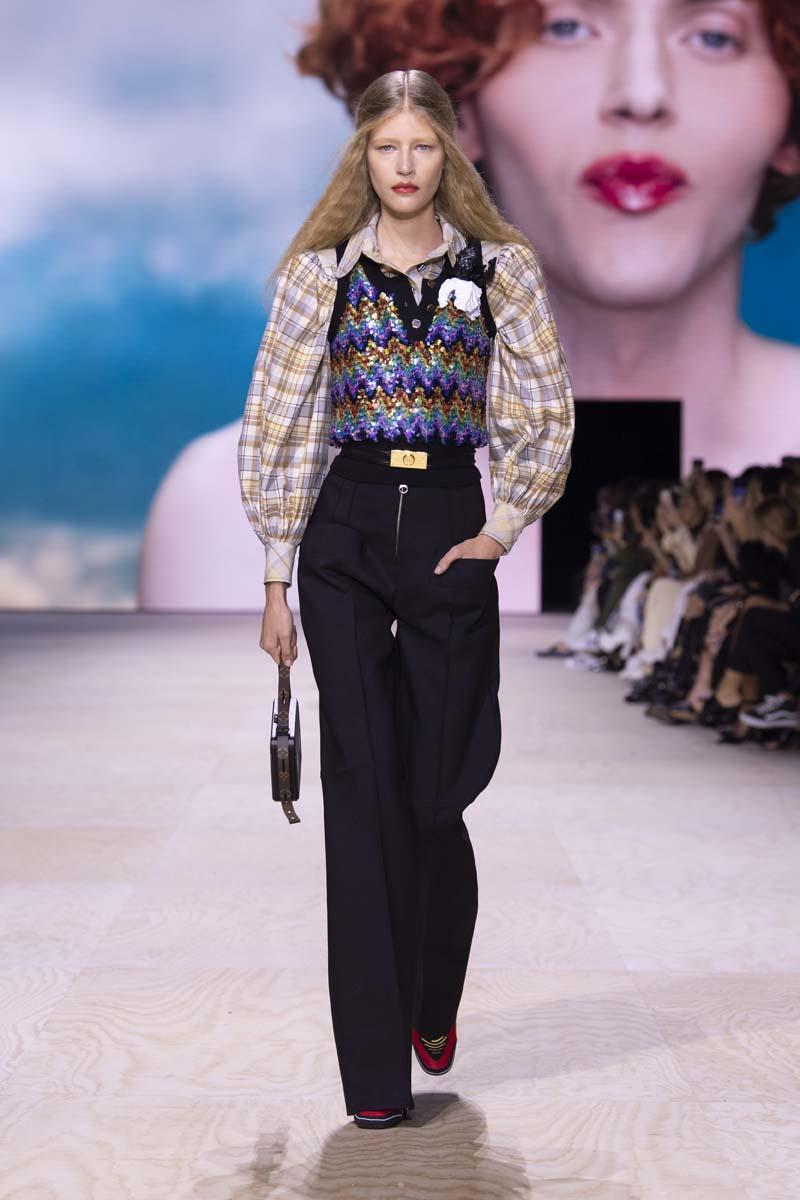 BST Louis Vuitton Xuân – Hè 2020: Dòng chảy thời gian và nghệ thuật - Thời  trang - Việt Giải Trí